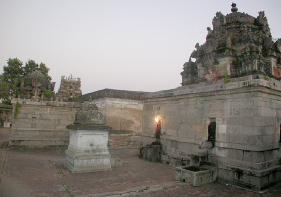 Sri Vallabeswarar temple_thirukoodalaiattrur